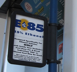 Photo of E85 fuel pump sign.